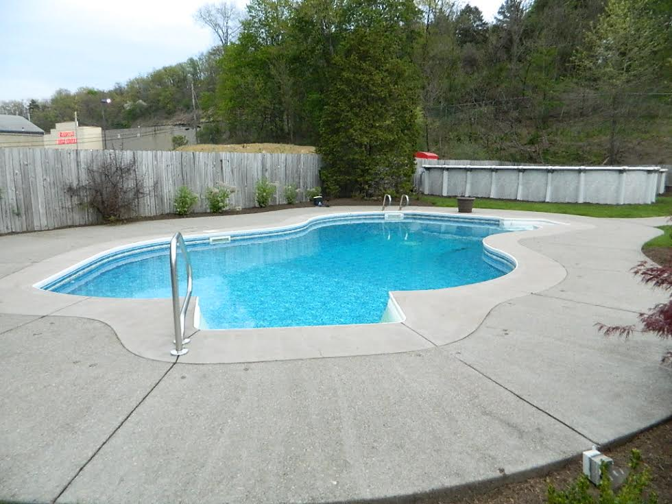 Alpine pools western pennsylvania 39 s pool and spa dealer for Pool dealers